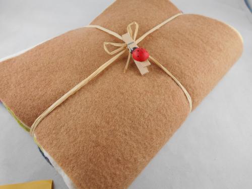 10 Wollfilzplatten 20x30cm im Geschenkeset pflanzengefärbt
