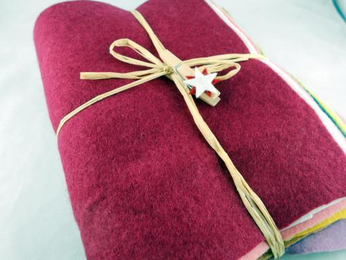 10 Wollfilzplatten pflanzengefärbt 20x30cm im Geschenkeset