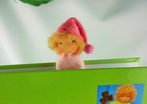 Lesezeichen-Wichtel aus Filz in rosa, Junge
